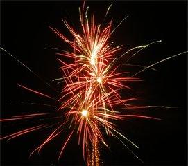 feuerwerk sylvester - Feuerwerk, Nacht, Himmel, Lichter, Farben, leuchten, Feuerwerkskörper, pyrotechnische Gegenstände, koordinierte Zündung, Zündung, Silvester, Pyrotechnik, Rakete, Antrieb, Rückstoß
