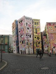 Rizzi-Haus Braunschweig #2 - Haus, farbig, schief, Kontrast, Popart, Rizzi, Architektur