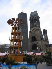 Weihnachtsstimmung, Gedächtniskirche Berlin - Berlin, Gedächtniskirche, Weihnachtspyramide, Wärmeströmung, Physik