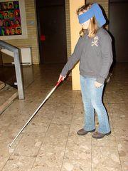 Hilfsmittel für Blinde # 11 - blind, Blinder, Sehgeschädigter, sehgeschädigt, Behinderung, Auge, Tastsinn, weiß, Stock, Blindenstock, Blindenlangstock, gehen, tasten, Markierung, Hilfsmittel, taktil, Handicap