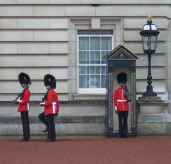 Wachablösung in London - London, Buckingham Palace, Queen, Guard, Wache