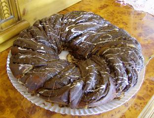 Hefekranz gefüllt - Kuchen, Hefekuchen, Hefekranz, Hefeteig, gefüllt, Schokoglasur