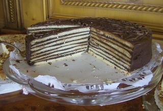 Prinzregententorte dunkel #2 - Kuchen, Torte, Prinzregententorte, Rührmasse, Boden, Böden, Aufbau, Buttercreme, Schokaladenguss, Tortenspezialität, Schichten