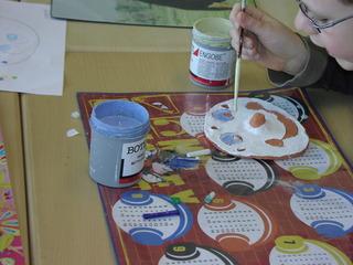 Glasieren - Keramik, Glasur, glasieren, Oberflächenveredelung, Keramikprodukte, Oberlächenschicht, Ritzhärte, malen, Pinsel