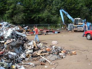Schrottplatz - Schrott, Metall, Recycling, recyclen, Wertstoff, Verschrottung, Rohstoff, Abfall, Umweltschutz, Sekundärrohstoff