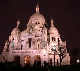 Sacre Coeur in Paris - Sacre-Coeur, Paris, Kirche, Montmartre, Architektur, Nacht, Wahrzeichen, Frankreich, France, Geographie, Französisch, Basilika, Wallfahrtskirche, Calcit