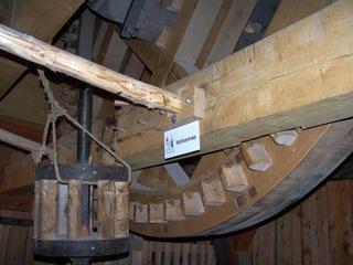 Stockantrieb - Mahlwerk, Windmühle, Mühle, Stockantrieb, Antrieb, Zahnrad, mahlen, Mehl, Getreide, Kraft, Kraftübertragung, Übersetzung