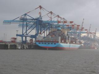 Containerterminal #2 - Container, Hafen, Umschlagplatz, Schiff, Bremerhaven, Ladung, beladen, Transport, Handel, transportieren, Frachtschiff