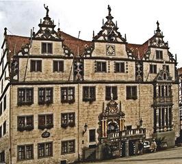 Hannoversch-Münden Rathaus - Rathaus, Haus, Gebäude, Giebel, drei, Portal, Tür, Treppe, Weser, Weserrenaissance, Marktplatz, Architektur, Baustil, Fenster, Schmuck