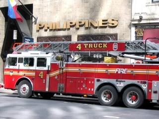 New York - Firebrigade - Amerika, USA, New York, Feuerwehrauto, Verkehr, Fahrzeuge, Einsatzfahrzeug, Auto, Feuerwehr