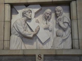 Kreuzweg 8 - Religion, Kreuzweg, Skulptur, Jesus, Frauen, weinen, weinend, Kreuz, katholisch, Station, Kreuzwegstation, Leidensweg