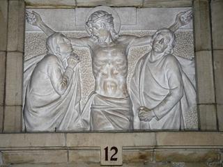 Kreuzweg 12  - Religion, Kreuzweg, Skulptur, Jesus, Kreuz, Tod, Trauer, Karfreitag, katholisch, Station, Kreuzwegstation, Leidensweg