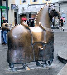 Konstanz: Pferd am Kaiserbrunnen - Pferd, Skulptur, Plastik, Bronze, acht, Beine, Denkmal