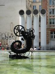 La vie (corne d'abondance, la nouvelle) - das Leben  - Jean Tinguely, Paris, Stravinskibrunnen, Kunst, Künstler, Eisen, Skulptur, Leben, schwarz, Wasser, Röhre