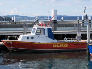 Rettungsboot der DLRG - Boot, Rettungsboot, DLRG, Deutsche Lebensrettungsgesellschaft, rot, Schiff, Wasser, See, Kajüte, retten, Sicherheit