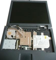 Notebookbestandteile #16 - Informatik, Notebook, Rechner, Laptop, tragbar, Innenansicht, Display, ausgehängt, Kühler, Head-Pipe