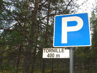 Hinweisschild #2 - Verkehrschild, finnisch, Hinweis, tornille, zum Turm