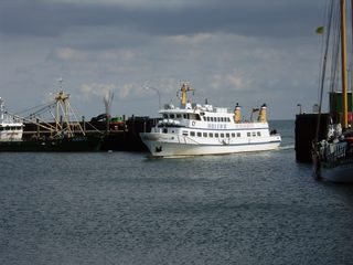 Passagierschiff - Schiff, Schifffahrt, Tourismus, Nordsee, Hörnum, Sylt, Passagierschiff, Hafen, Hafeneinfahrt