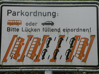 Einparken, aber wie? - Parkordnung, Auto, parken, Parkplatz, Hinweisschild, Hinweis
