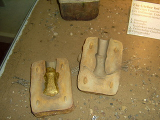 Form für Bronzeguss - Bronze, Bronzezeit, Gussform, Beilform, Axtform, Kupfer, Zinn, Negativform, Gießling, Form, Hohlraum, Model, Hohlform