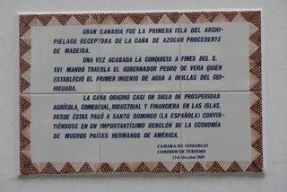 Gran Canaria fue la primera isla... Inschrift auf spanischem Haus - Inschrift, Kachel, Spanisch, Gran Canaria