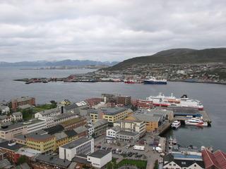 Blick auf Hammerfest - nördlichste Stadt der Welt - Hammerfest, Norwegen, Meer, Hafen, Norden, Schiff, Geographie