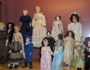Porzellanpuppen - Puppe, Puppen, Porzellan, zerbrechlich, spielen, Spielzeug, Spiel, Kinderspielzeug, alt, Kleid, Kleider