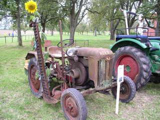 Traktor-Oldtimer - Landwirtschaft, Bauer, Feld bestellen, Oldtimer, Traktor, alt, Schreibanlass