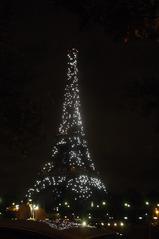 Eiffelturm by night - Eiffelturm, Paris, Sehenswürdigkeit, Turm, tour Eiffel, Sehenswürdigkeit, Wahrzeichen, Symbol, Stahlfachwerkturm, Stahl, hoch, Nacht, Nachtaufnahme, Stadt bei Nacht