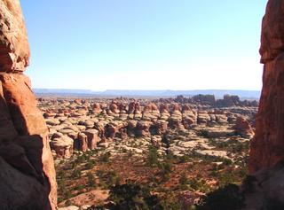 Canyonlands #5 - Wüste, Schlucht, Nationalpark, Naturwunder, Utah, Sandstein, Geologie, Gestein, Felsen, Moab, the Needles, Perm, Trias, USA, Landschaft, Südwesten, salztektonische Strukturen, Colorado-Plateau, Eisenoxyd, Wüstenklima, Perspektive