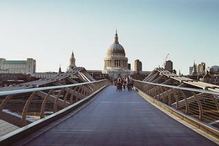 Millenium Bridge - England, London, sights, buildings, bridge, Millenium Bridge, St.Paul's, Brücke