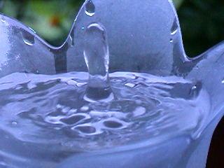 Wassertropfen - Tropfen, Wassertropfen, Oberflächenspannung, Kohäsion, Zusammenhangskraft, Physik