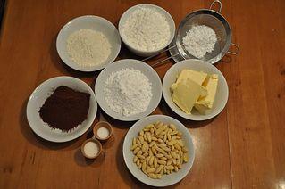 Kakaokugeln # 1 - Kakaokugeln, backen, Bäckerei, Weihnachten, Kakao, Mehl, Zucker, Puderzucker, Mandeln, Salz, Vanillezucker, Vanillin, Margarine, Fett, Beschreibung, Vorgang, Vorgangsbeschreibung, Rezept, Zutaten, zubereiten, Zubereitung