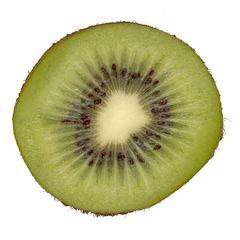 Kiwi, halbiert - Kiwi, Frucht, Makro, Liane, Chinesischer Strahlengriffel, zweikeimblättrig, Beere, süß, Frucht