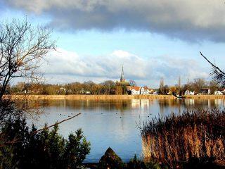 Geltow an der Havel - Deutschland, Brandenburg, Schwielowsee, Havel, Geltow, Wasser, Kirche, Schilf, Fluss