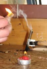 Tochterflamme einer Kerze #2 - Kerze, Versuch, Experiment, Gas, brennbar, Dämpfe, Tochterflamme, Wachsdampf