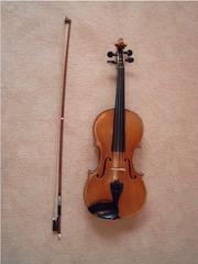 Geige mit Bogen - Geige, Violine, Bogen, Instrument, Musikinstrument, Streichinstrument, Saiteninstrument, Musik