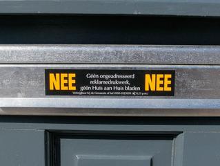 Aufschrift auf einem Briefkasten - Post, Brief, Briefe, Aufkleber, Briefkasten, Werbung, Niederländisch, Niederlande, Holland, Verbot