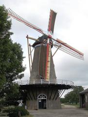 """Holländermühle """"De Onderneming"""" von 1860 in Wissenkerke, Zeeland/NL-1  - Mühle, Holländermühle, Galeriemühle, mahlen, Korn, Kornmühle, Mehl, Mahlstein, Galerie, Flügel, Wind, Getreide, Energie, Niederlande, Holland"""