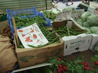 At the market #6 - peas, beans, lettuce, radish, market, fruit, vegetable, market stand, Markt, Verkaufsstand, einkaufen, Gemüse, Bohnen, Radieschen