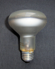 Glühlampe, Strahler - Reflektor, Spot, Strahler, Reflektorlampe, Leuchtmittel Leuchte, Glühlampe, Glühbirne, Licht, Lampe, Strom, Elektrizität, Lichtquelle, Beleuchtung, elektrischer Leiter, thermische Strahlung, Wärmeleitung, Stromkreis, Physik, Glas