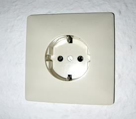 Steckdose - Steckdose, Schutzkontakt-Steckdose, Schuko, Strom, Elektrizität, Strom, Spannung, Erdung, Steckverbindung, Stromanschluss