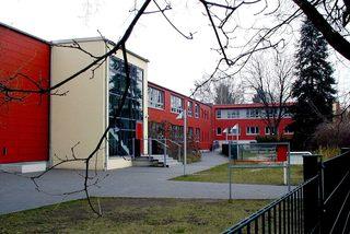 Schulgebäude - Stadt, Gebäude, Schule, Baustil Brutalismus
