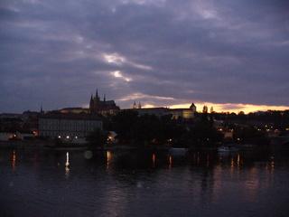Prag bei Nacht - Fluss, Landschaft, Burg, fremdes Land, Prag, Moldau, Hradschin, Veitsdom, Kleinseite, Prager Burg, Tschechien, Abendstimmung