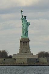 New York Freiheitsstatue - New York, Wahrzeichen, Liberty Enlightening the World, Freiheitsgöttin, amerikanische Unabhängigkeitserklärung, Skulptur