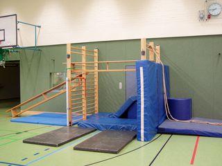 Bewegungslandschaft#1 - bewegen, Bewegungslandschaft, Sport, Aufbau, Geräte, Sprossenwand, Gletscherwand, klettern