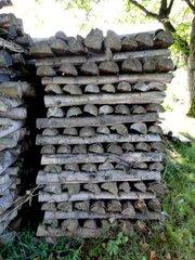 Holzstapel - Holz, schlichten, schichten, geschlichtet, aufgerichtet, Struktur, Oberfläche, geordnet, Holzstoß, Scheiter, Scheit, Brennholz, aufgeschichtet, Holznutzung, Forstwirtschaft, Wald, Feuerholz