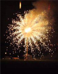 Pyronale # 3 - Pyronale, Feuerwerk, Rakete, Knall, Licht, Funken, bunt, hell, Silvester, Lichter, Farben, leuchten, Feuerwerkskörper, pyrotechnische Gegenstände, koordinierte Zündung, Zündung, Pyrotechnik, Rakete, Antrieb, Rückstoß