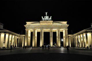 Brandenburger Tor - Brandenburger Tor, Tor, Berlin, Quadriga, Wahrzeichen, nationales Symbol, Geschichte