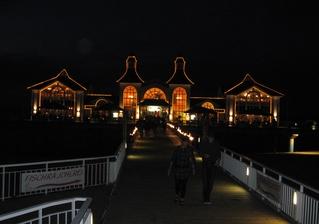 Die Seebrücke in Sellin bei Nacht - Bauwerk, Sehenswürdigkeit, Sellin, Seebrücke, Rügen